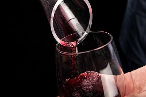 烟草巨头奥驰亚以12亿美元出售葡萄酒业务给Sycamore Partners