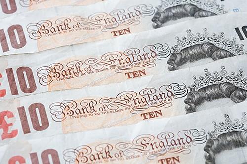 欧元/英镑跃升至近两个月高位 0.8670 区域附近