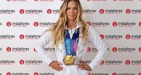 InstaForex 签约奥运游泳运动员 Yuliya Efimova 担任品牌大使