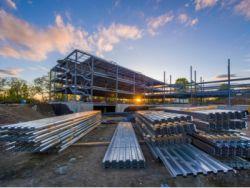 港股異動︱港股鋁板塊集體上漲 倫鋁價格一度漲超3000美元/噸 中國鋁業(02600)漲超10%領漲板塊