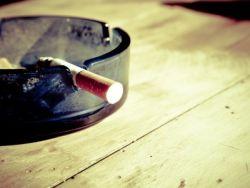 思摩爾國際(06969)重挫15%領跌電子煙概念股 機構仍看好頭部品牌通過PMTA審核