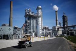 Alliance煉油廠遭颶風嚴重破壞,菲利普66(PSX.US)在維修和閑置之間徘徊不定