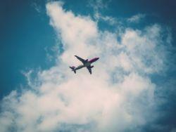 """經歷上周末航班""""大混亂""""后,西南航空(LUV.US)減少航班取消"""